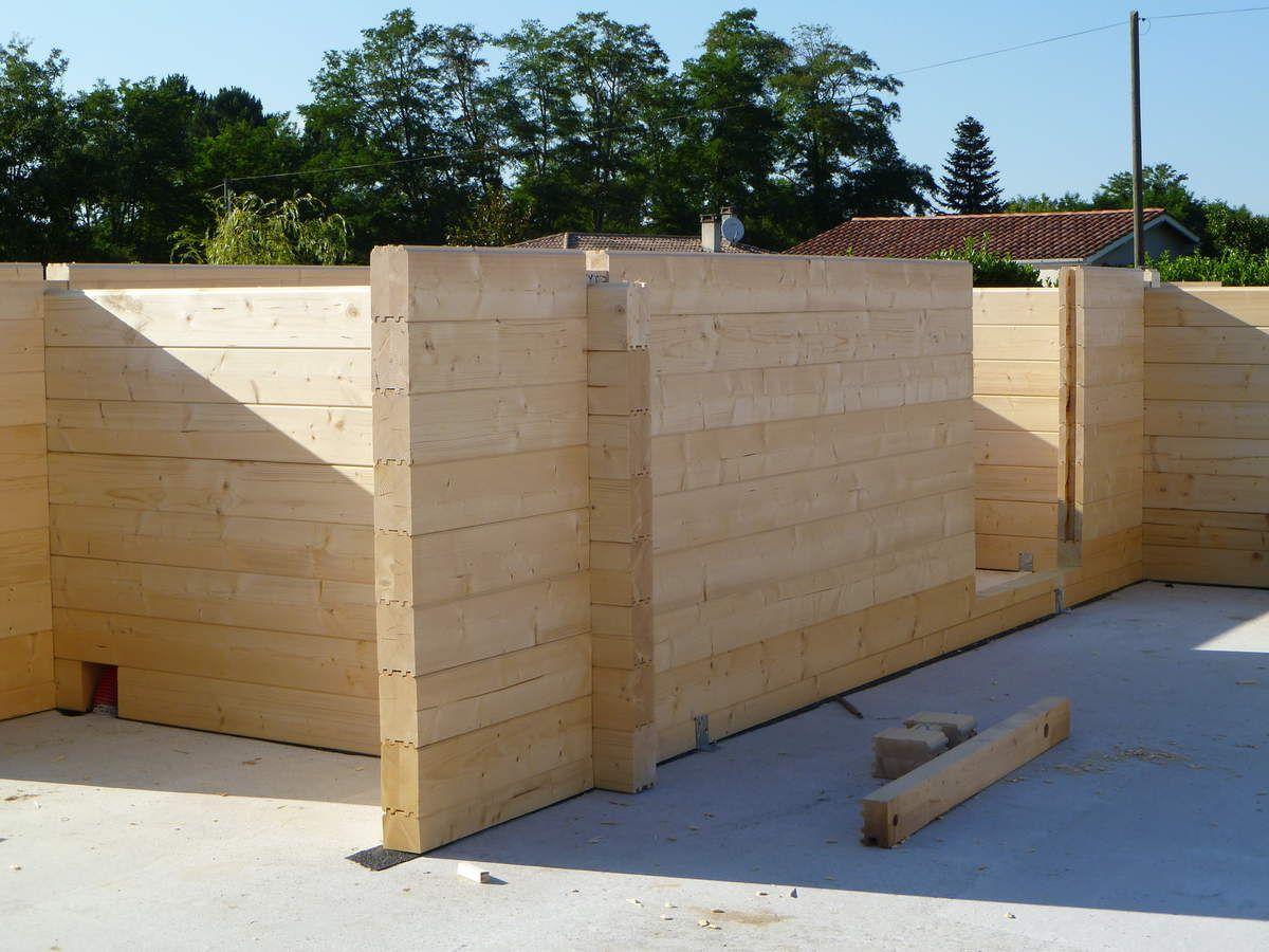 Autoconstruction dune maison en bois madriers résultat de la 2ème journée