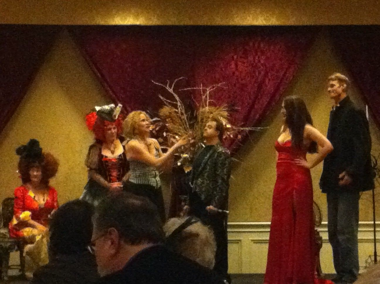 Heather Graham's dinner theater Saturday night at her Writers for New Orleans conference.