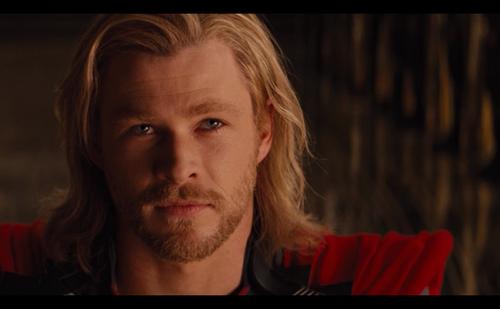 Ok, o filme é tosco, mas Chris Hemsworth, Jesus, o que é esse homem?? *__*