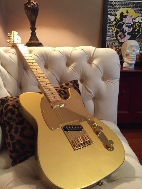 Mr. Zum's Fantastic Fender Telecaster Custom Shop  Re-Build