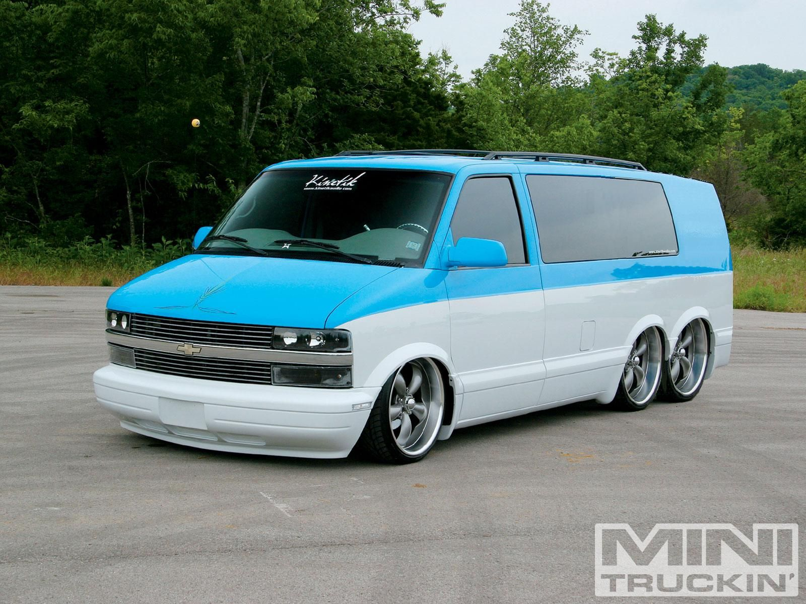 Tandem Astro Van I D Call It A Stretch Va Limo Chevy Astro Van Astro Van Mini Van