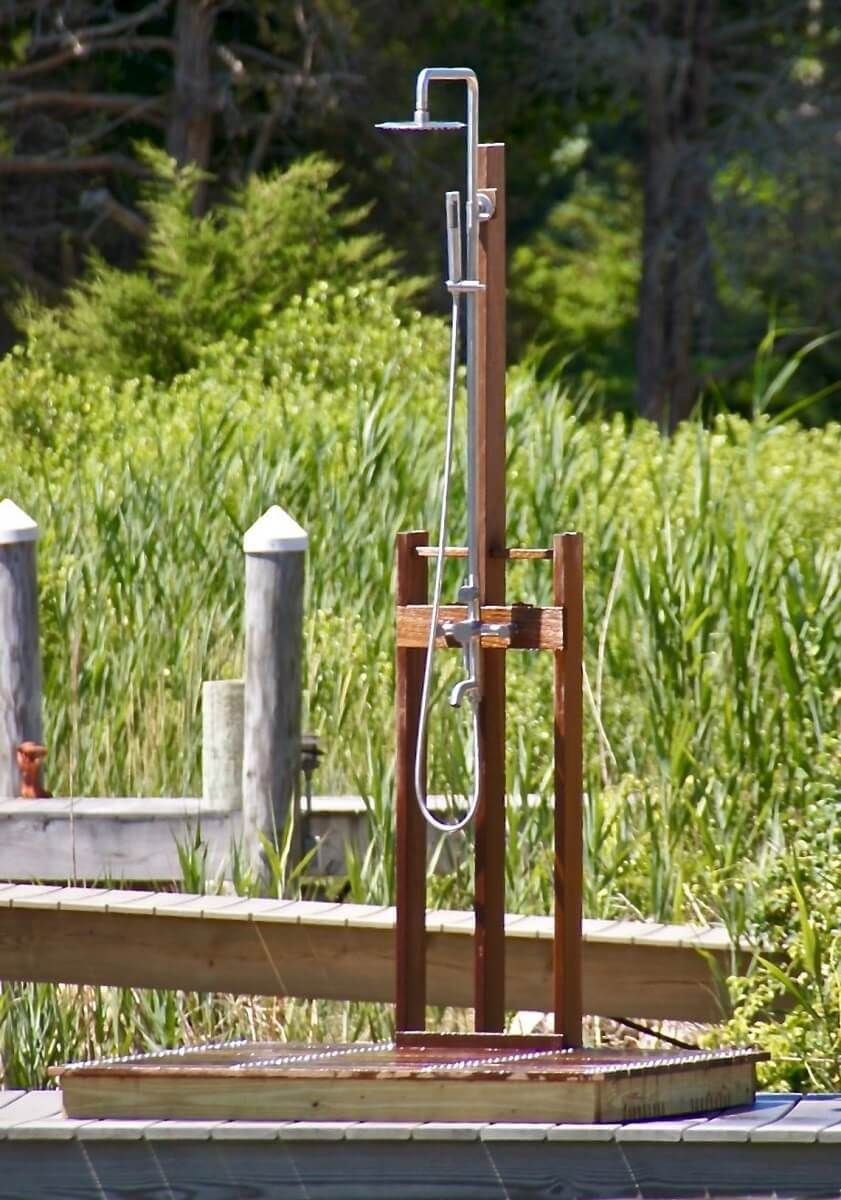 20 Outdoor Showers For Your Lake Or Poolside Home With Images