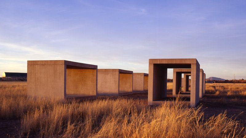 In the 1970s, minimalist artist Donald Judd moved to Marfa, Texas, where he created giant works of art that bask beneath vast desert skies. In the…