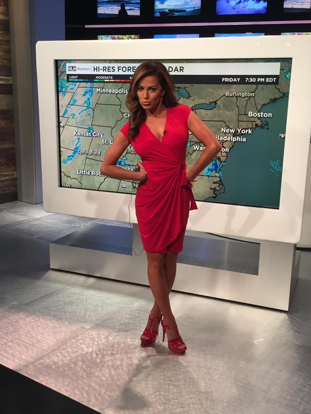 Univision weather ladie upskirt