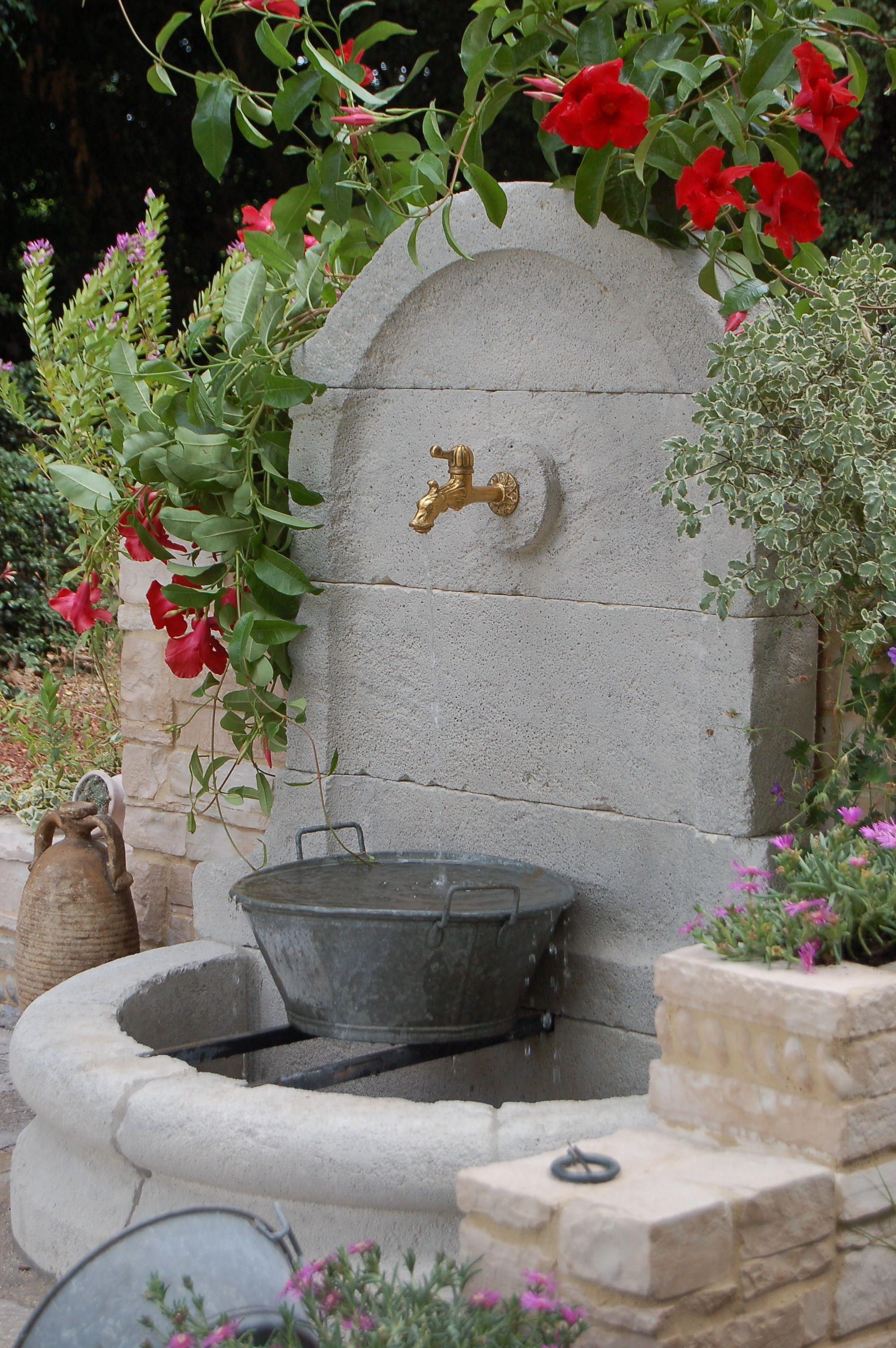 Modèle De Bassin De Jardin en ce qui concerne img.deco.fr photo 07359703-photo-fontaine | u vrtu | pinterest