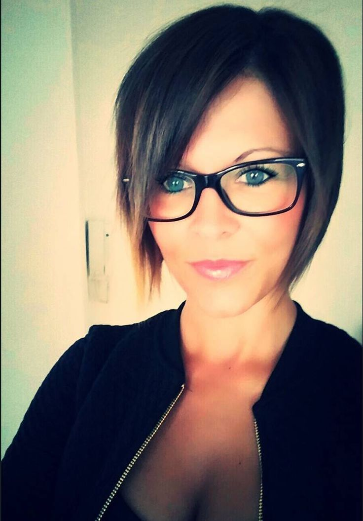 Brianna Sue Pixie Hairstyle With A Glasses ★ Beauty