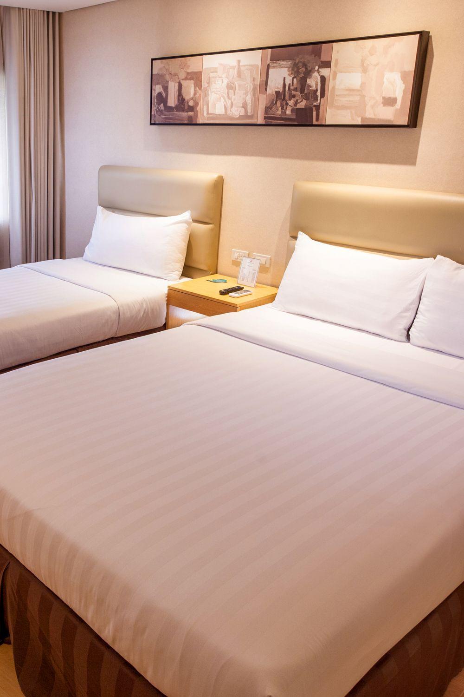 Twin Bed Hotel Room: Jinjiang Inn - Ortigas