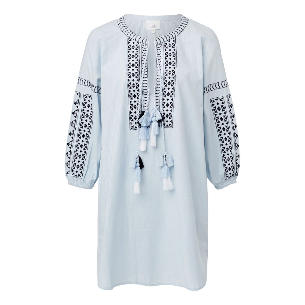 100 Cotton Embroidered Peasant Dress Relaxed Silhouette Finishing At The Knee Features Embroidered V Necklin Long Sleeve Peasant Dress Dresses Peasant Dress [ 1000 x 1000 Pixel ]