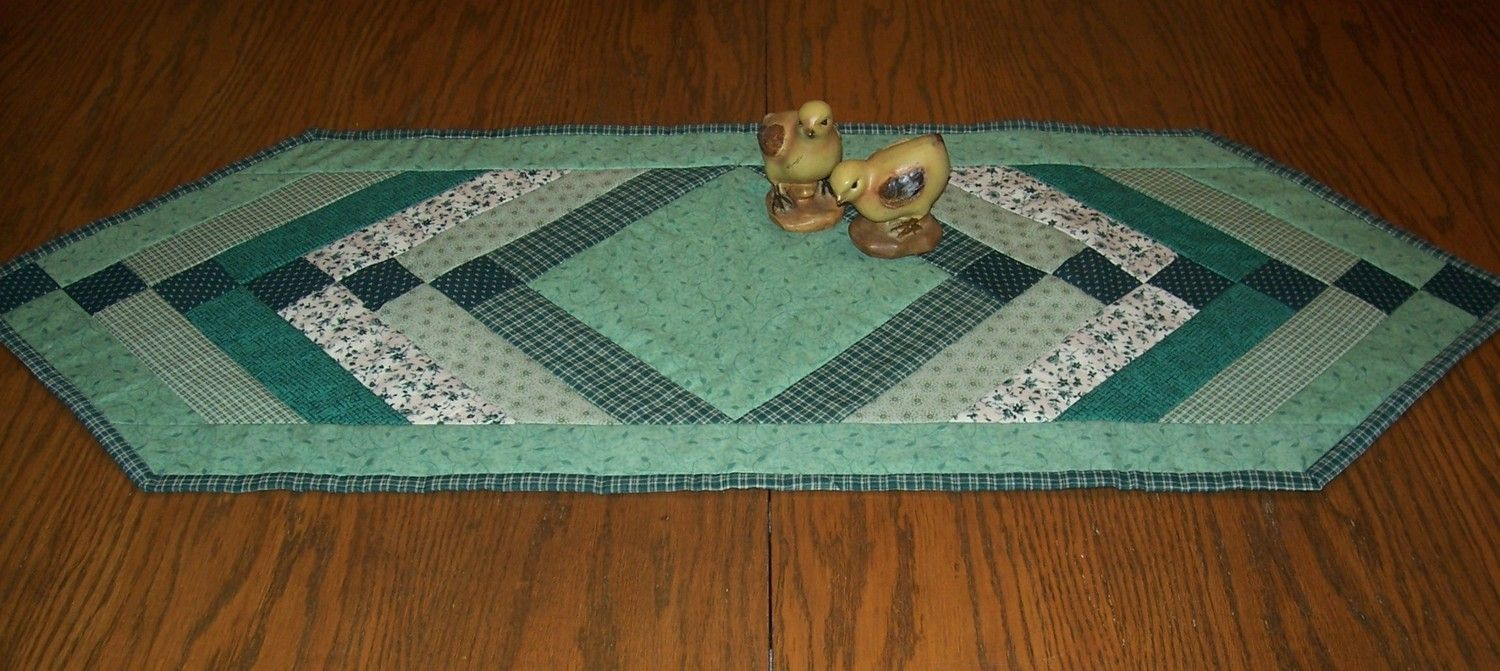 Classic Green Quilt As You Go Table Runner Holidays Pinterest