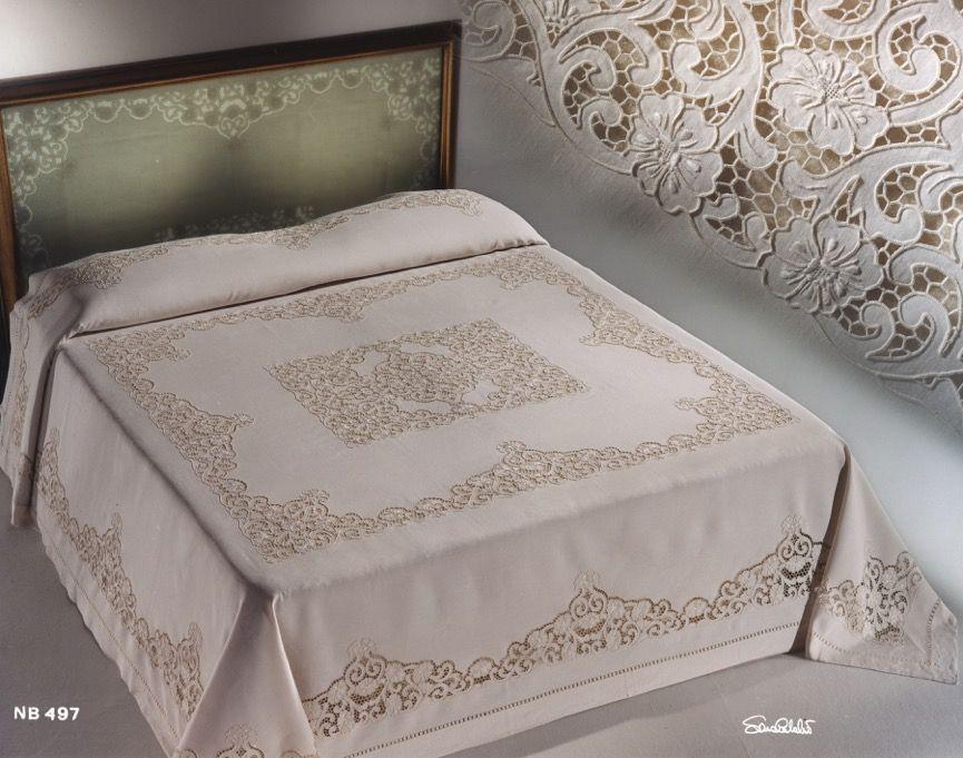 Copriletto intaglio, coppia lenzuola e tris centri camera da letto ...