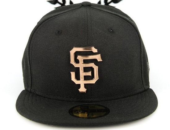 huge discount b294c 42fdc San Francisco Giants Metal Badge 59Fifty Fitted cap by NEW ERA x MLB