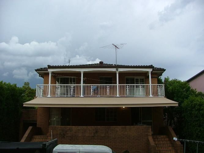 Sydney Retractable Awnings By Davonne Awning House Styles