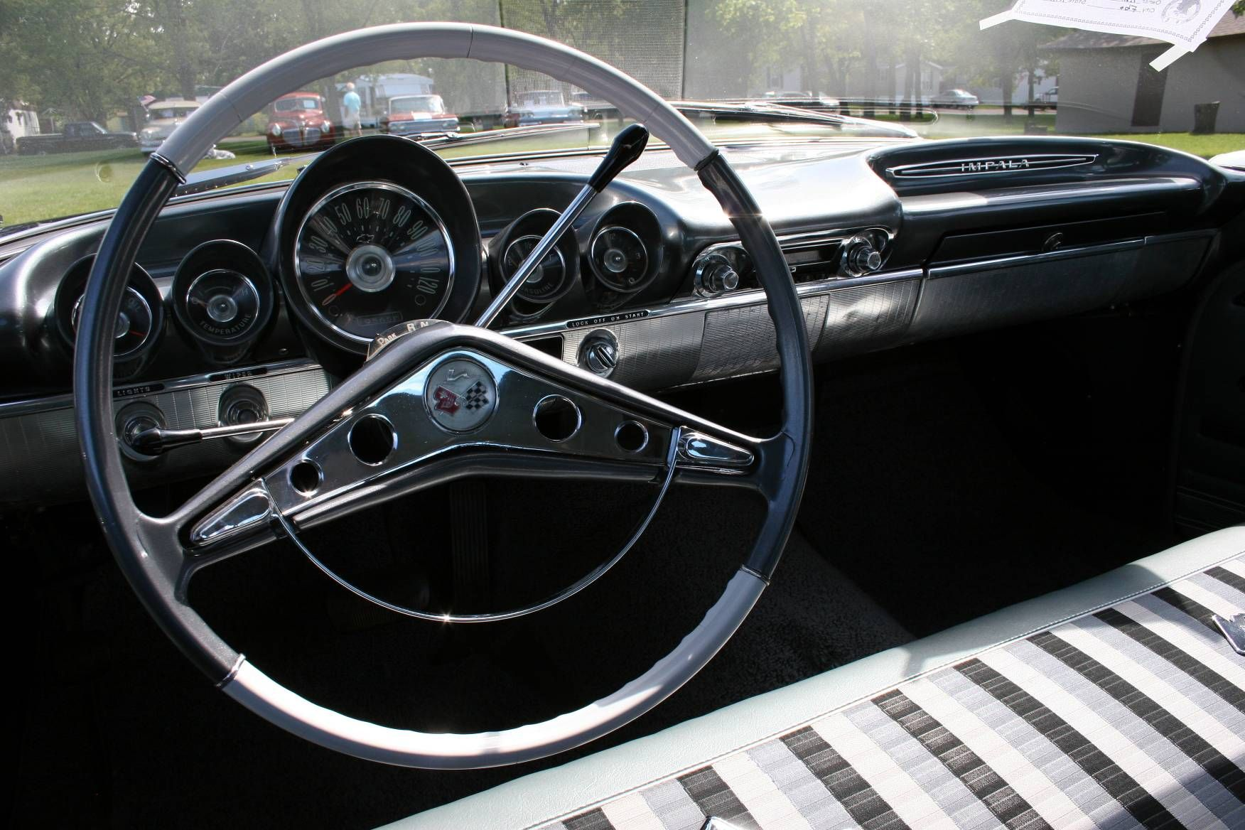 AutoObession to deals in reproduction of the complete steering wheel used on 1959-60 Chevrolet full size models, including Impalas, BelAirs, Biscaynes, and El Caminos