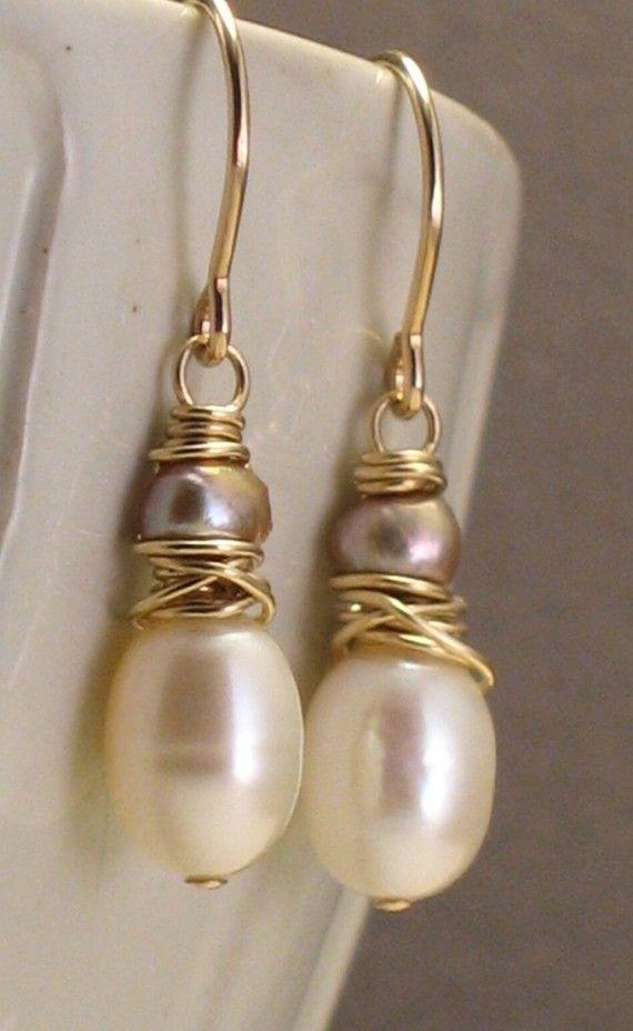 Diese schöne handgemachte Ohrringe kombinieren perfekte Elfenbein ...