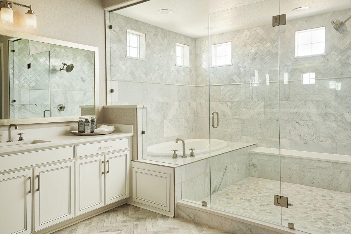 Harmon Model Home Master Bath Erie Colorado In 2020 Master Bathroom Tub Master Bedroom Plans Model Homes