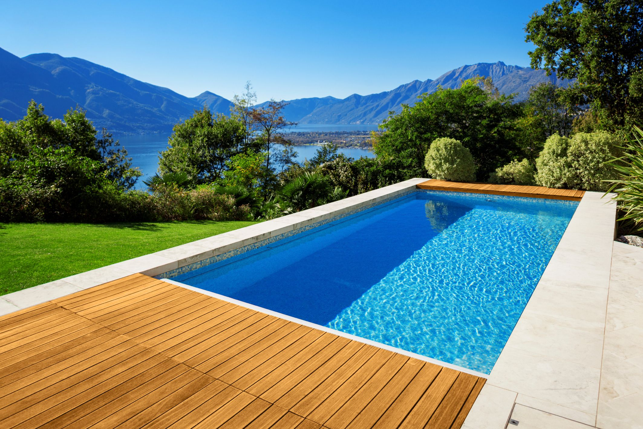 5 reasons to build your swimming pool right now building