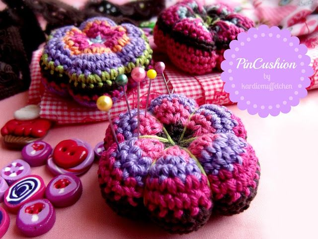 Free Retro Flower Pincushion Crochet Pattern | Ganchillo | Pinterest ...