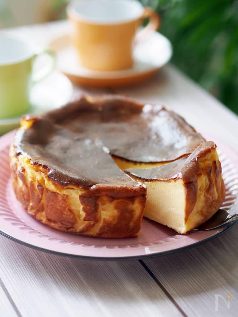 Photo of ラヴィーニャのバスク風チーズケーキ by 加瀬 まなみ / レシピサイト Nadia | ナディア – プロの料理家のおいしいレシピ