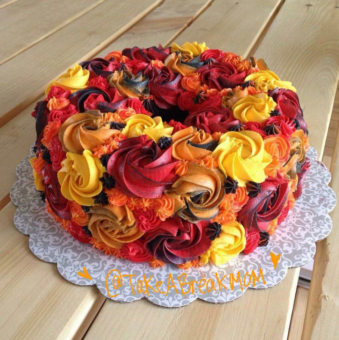 Beautiful Fall Colors Cake Fall Leaves Colors Thanksgiving Cake