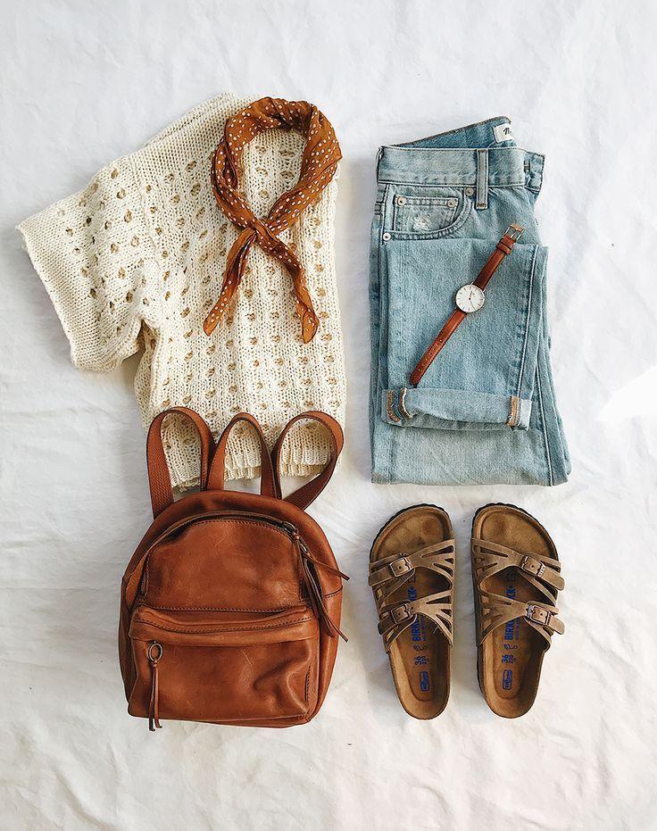 Flatlay Kleidung #travelwardrobesummer