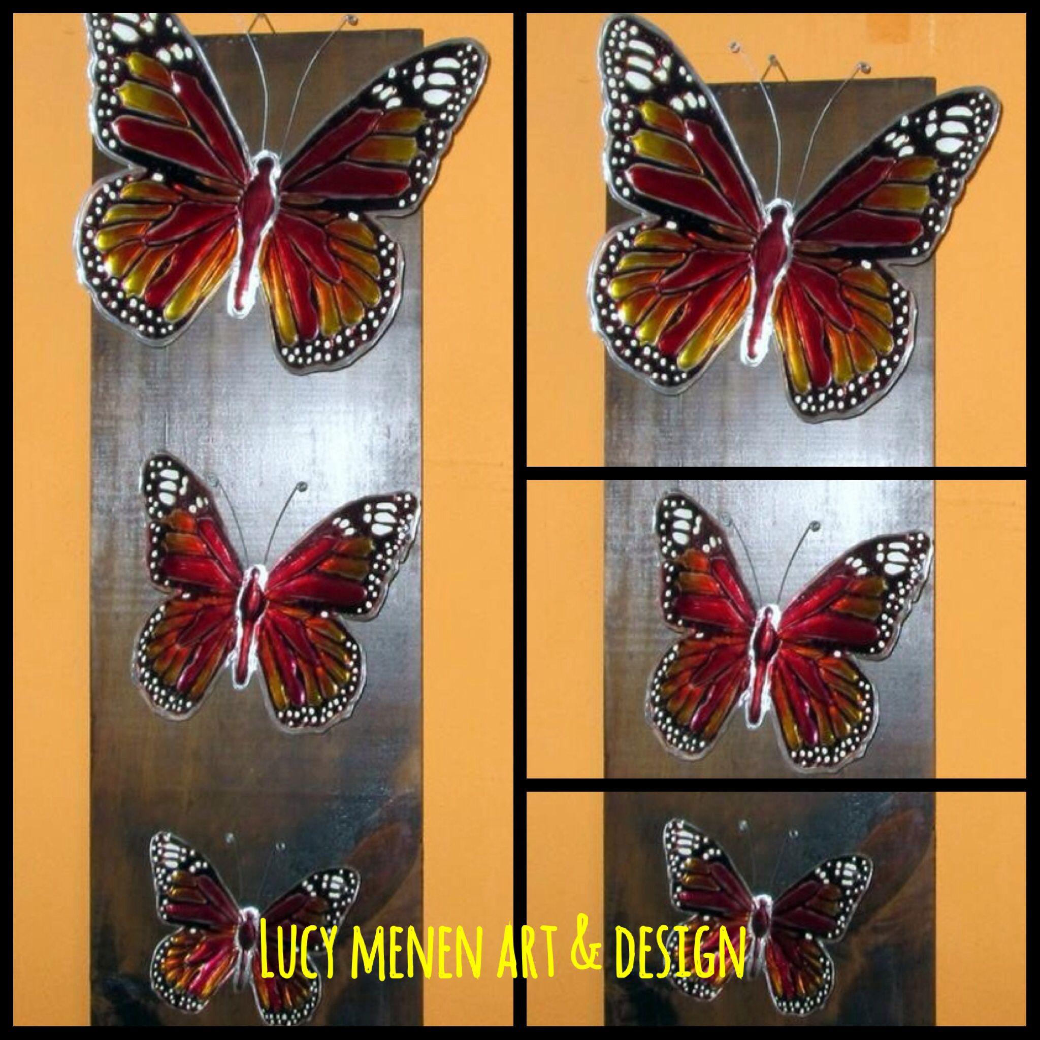 Tríptico de mariposas monarca en arte repujado y pintura vitral ...