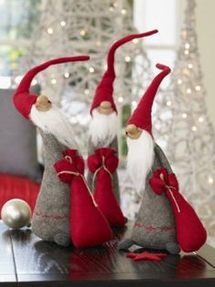 Christmas Gnomes Pinterest.Peres Noel Free Pattern Pinterest Gnomes