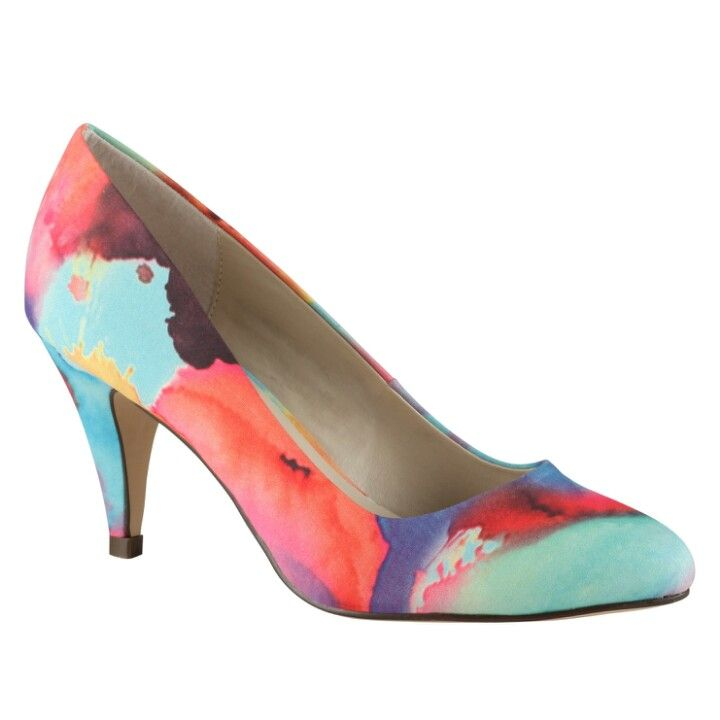 Cute watercolor heels.