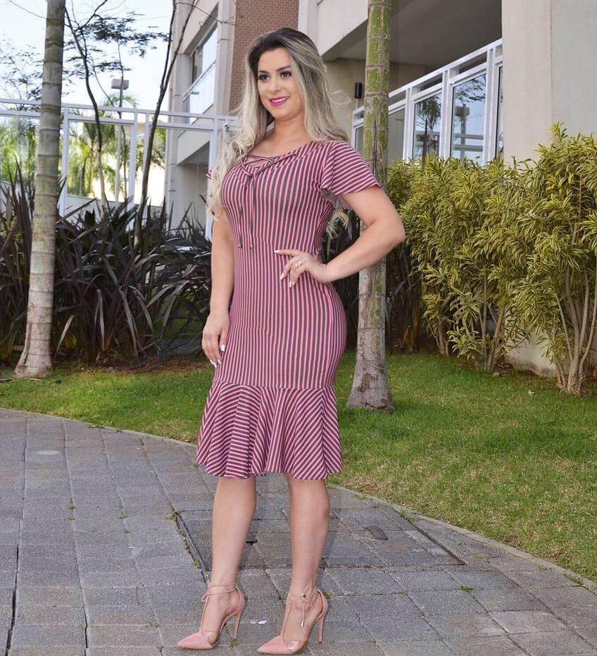 Fechando está sexta feira com esse lacre... Vestido Meire...perfeito 😍😍😍  Disponível para compra em nosso site www.cecytha.com.br ou pelo Whats (11)  ... 50d6f1293c2