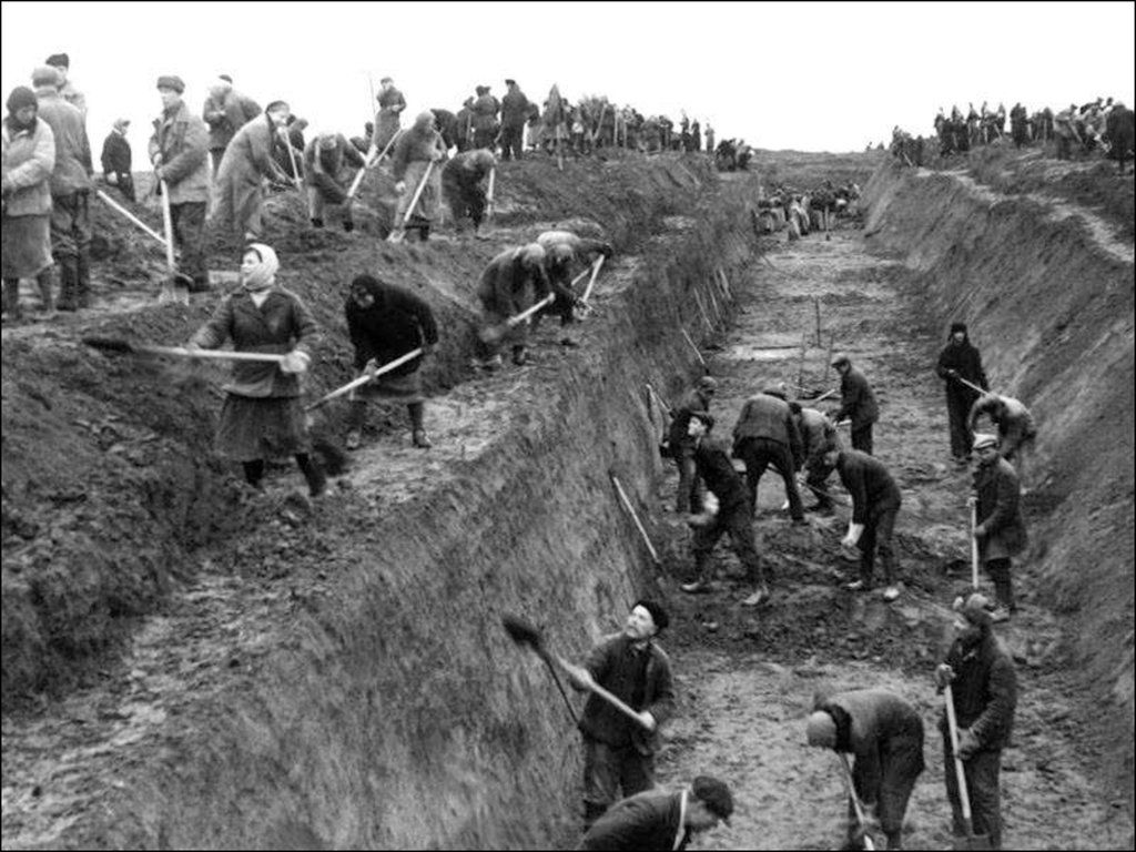 Defence of Moscow. Civilians dig anti-tank ditch 1941