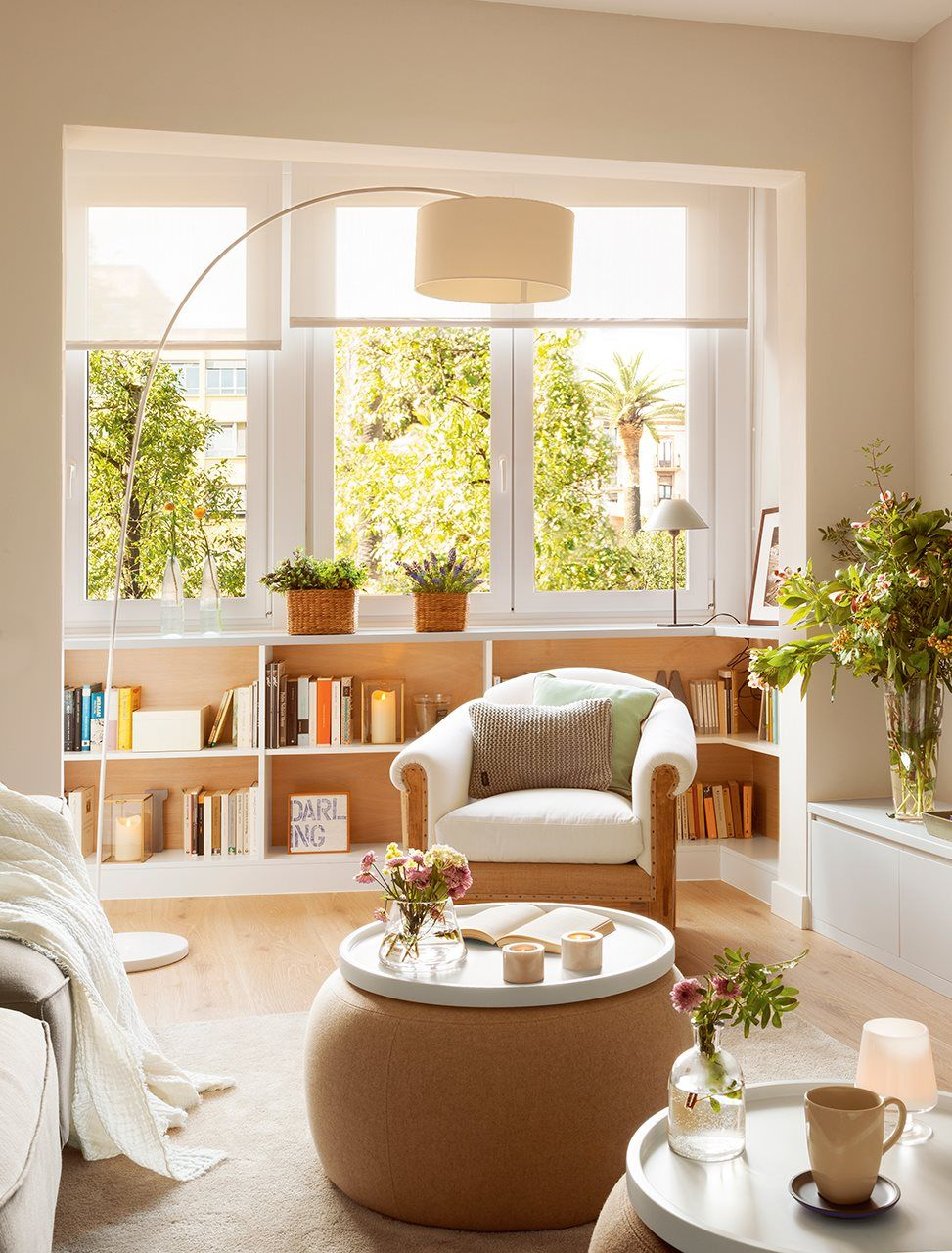 Blanco Y Madera Y Muebles A Medida Calidez Luz Y Capacidad  # Pequenos Gigantes Muebles