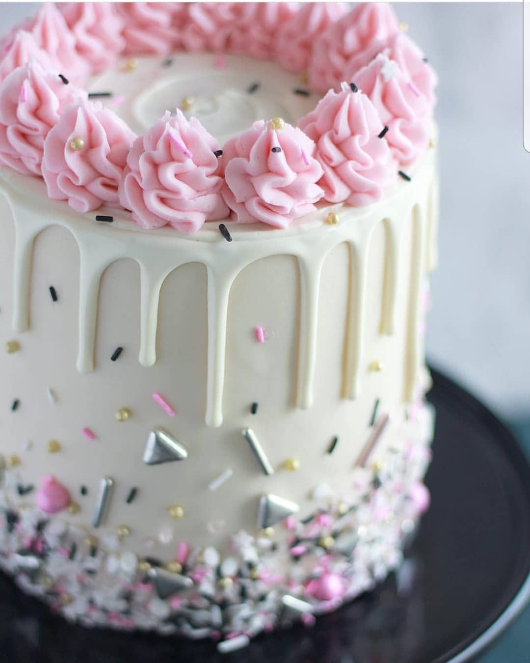 Pin Von Sassi 3 Auf Drip Cakes Kuchen Ideen Cupcake Kuchen Tropfkuchen
