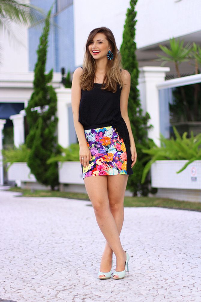 03-look saia estampada e blusa de renda preta sly wear jana taffarel blog  sempre glamour ba1ed388e92