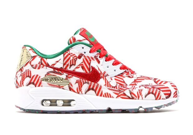 new arrival e8114 283bd Candy-cane Swooshes for Holiday 2015  Nike went there. The latest women s  exclusive