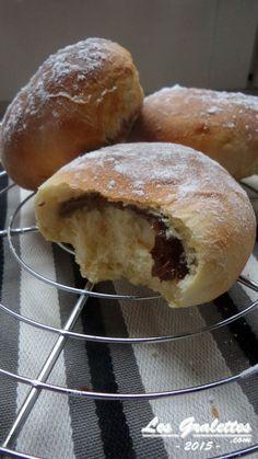 Beignet moelleux cuit au four fourré au NutellaChez les Gralettes on est assez gourmands, mais les beignets on a tendance à trouver ça trop gras et pas très glamour à manger (forcément, quand c'est cuit à l'huile !). On a trouvé en se promenant sur internet...