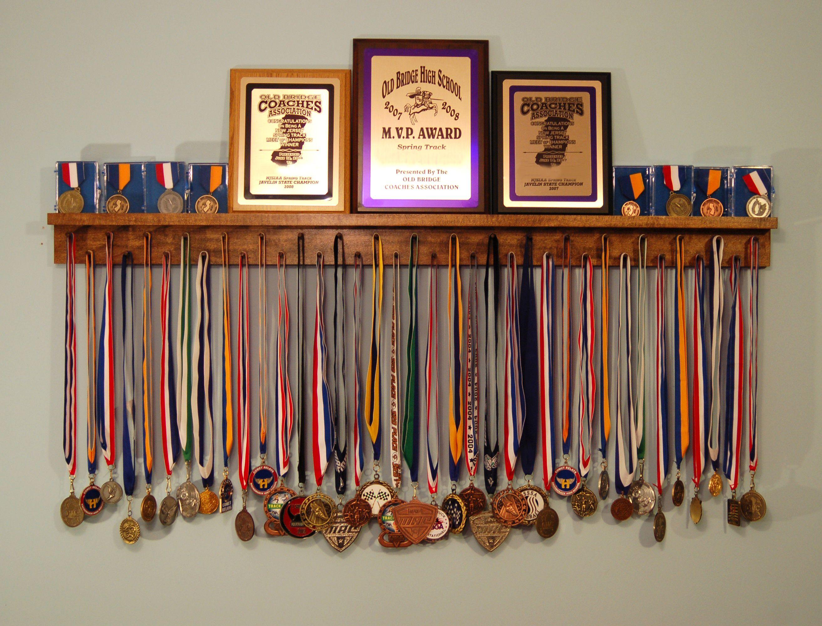 Black 4 foot award medal display rack and trophy shelf for Ideas para colgar medallas