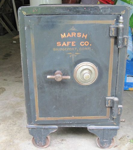 ANTIQUE MARSH SAFE CO BRIDGEPORT CT CAST IRON FLOOR SAFE WITH COMBINATION