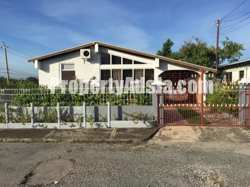House For Sale In Perkins Boulevard Kingston St Andrew Jamaica Propertyads Jamaica Kingston Jamaica Jamaica Kingston