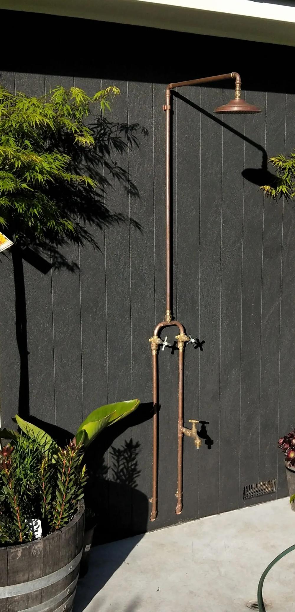 outdoor shower fixtures