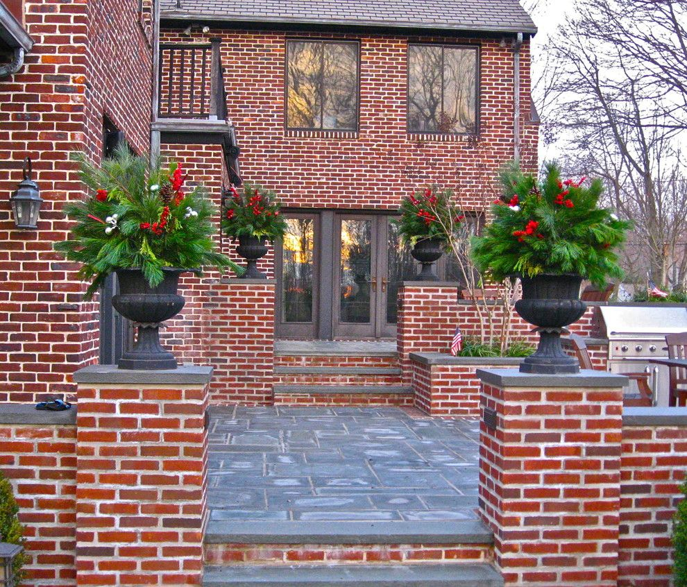 How To Decorate Outdoor Stairs For Christmas - Outdoor spaces
