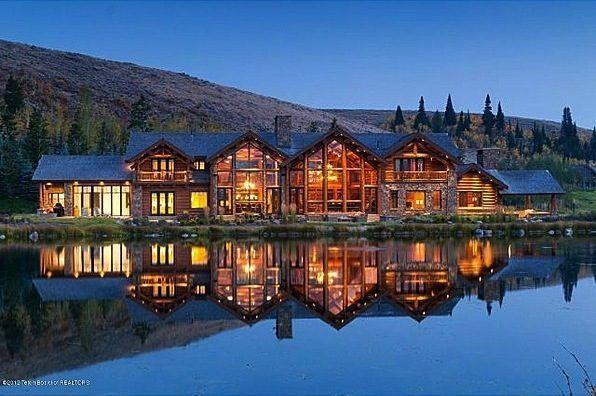 37m Jackson Listing Casts Off Ranch Keeps Huge Mansion Huge Mansions Mansions Big Mansions