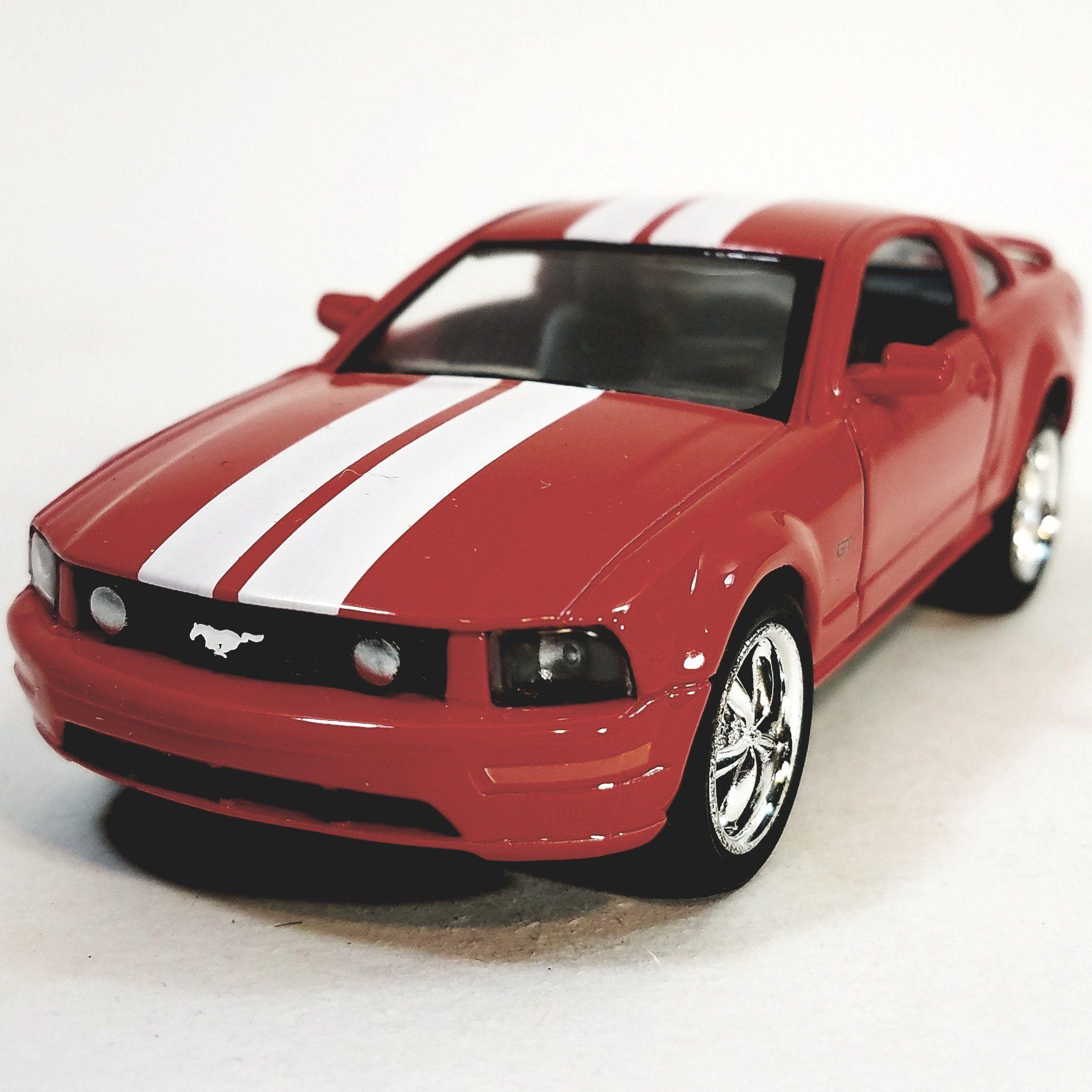 Kinsmart Ford Mustang Gt 2006 Fire Engine Red White Stripes