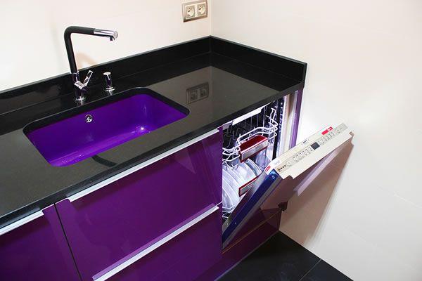 Qu te parece este color para tu nueva cocina el detalle - Instalar un lavavajillas al fregadero ...