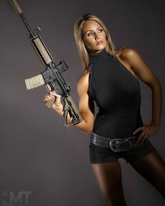 Arme Sexy red neck having fun::: sexy girls hot babes with guns beautiful