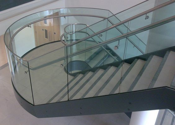 Best Curved Staircase In 2020 Curved Staircase Glass 400 x 300