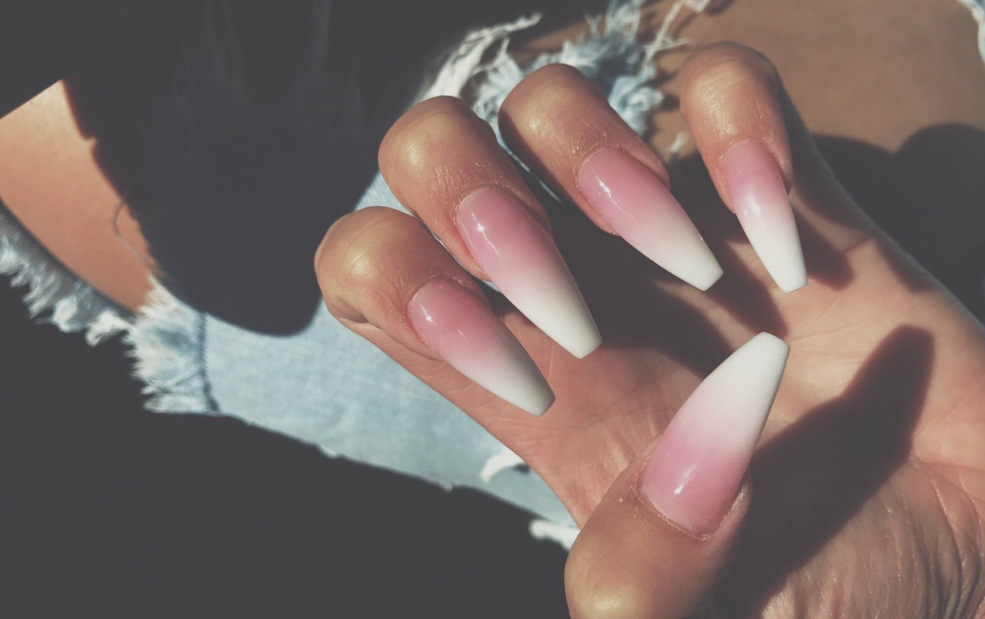 Pink To White Ombre Nails Skinny Coffin Shape Kendallalfred Nails Nail Shapes Squoval Ombre Nails
