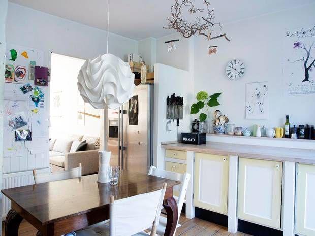 anden indretning Det hyggelige spisekøkken står over for snart at skulle  anden indretning
