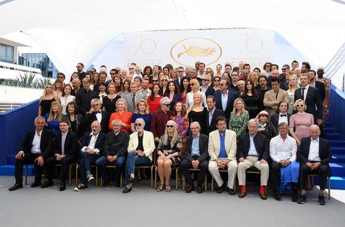 La photo de famille du 70ème anniversaire du Festival de Cannes   Vogue