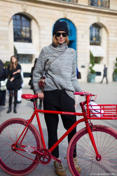 39 Fashion Girl-Approved Ways to Look Stylish While Biking   StyleCaster
