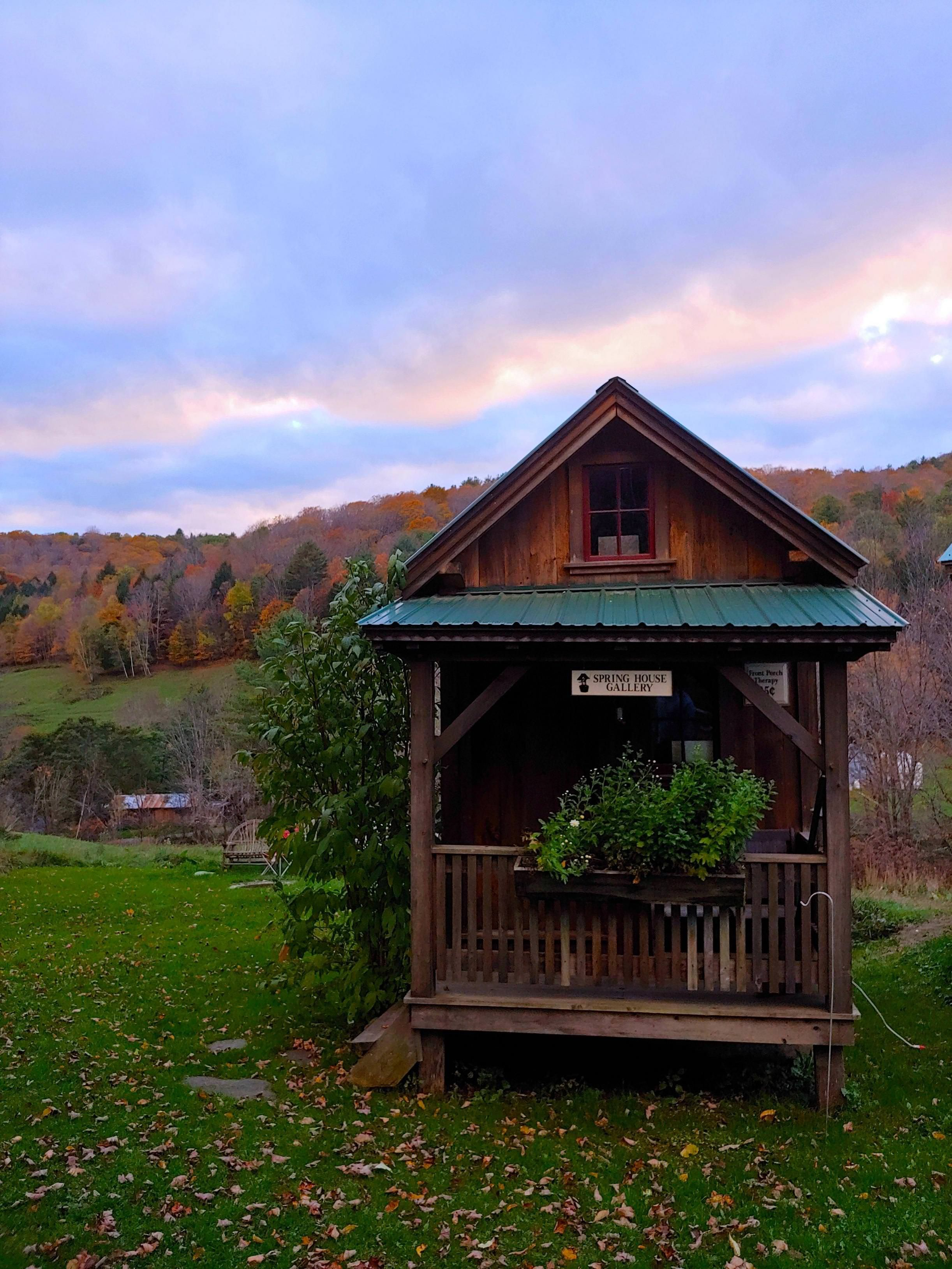 the sweetest coziest cabin for 2 (airbnb) i stayed in up in vt