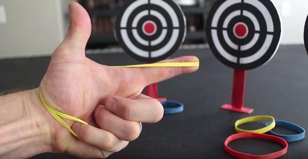 Die Rubber Band Hand Gun: